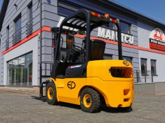 LPG forklift EP Mitsubishi FD35 with cabin